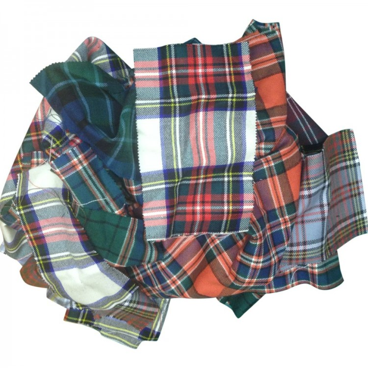 Tartan remnants bundles 1kg of tartan fabric in random sizes for Fabric remnants